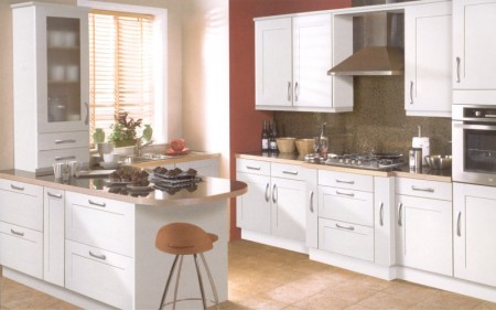 The Linea Ivory kitchen design is available from Gee's Kitchens, Wardrobes & Flooring of Kildare.
